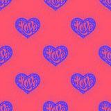 Nahtloses Muster mit Herz und Beschriftung Liebe Stockbilder