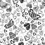 Nahtloses Muster mit Herzen, den Lippen, Liebe und Küssen Hand gezeichnet Lizenzfreie Stockfotos