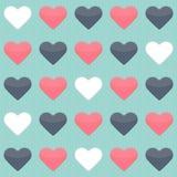 Nahtloses Muster mit Herzen des blauen Rotes und des Weiß über Minze Stockbilder