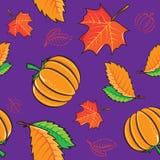 Nahtloses Muster mit Kürbisen und Blättern Lizenzfreies Stockfoto