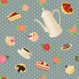 Nahtloses Muster mit Kaffeetopf, -schalen, -kuchen und -rosen Lizenzfreies Stockbild