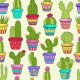 Nahtloses Muster mit Kaktus in den Töpfen Lizenzfreies Stockfoto