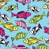 Nahtloses Muster mit kleinen Fischen Stockfotos