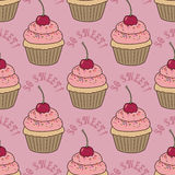 Nahtloses Muster mit kleinen Kuchen Lizenzfreie Stockbilder