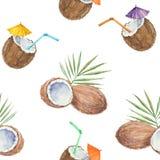 Nahtloses Muster mit Kokosnüssen und dem Kokosnusscocktail, herein gemalt Lizenzfreie Stockfotografie