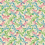 Nahtloses Muster mit Libellen Lizenzfreies Stockfoto