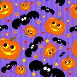Nahtloses Muster mit lustigem Halloween-Kürbis und -schläger Stockfoto