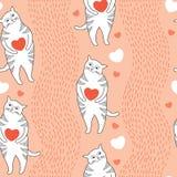Nahtloses Muster mit lustigen Katzen und orange Herzen Lizenzfreie Stockfotos
