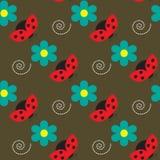 Nahtloses Muster mit Marienkäfern und Blumen auf dem braunen Hintergrund Stockbild