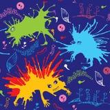 Nahtloses Muster mit mehrfarbigen lustigen Monstern Lizenzfreies Stockfoto