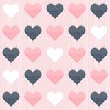 Nahtloses Muster mit netten bunten Herzen auf einem Rosa Lizenzfreie Stockfotos