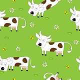 Nahtloses Muster mit netten Kühen Lizenzfreie Stockbilder