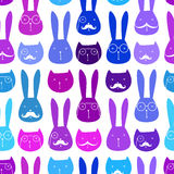 Nahtloses Muster mit netten Kaninchen und Katzen Stockbilder