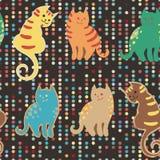 Nahtloses Muster mit netten Karikaturgekritzelkatzen auf Braun punktierte digitalen Hintergrund Kleine bunte Kätzchen lustig lizenzfreie abbildung