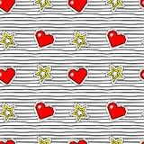 Nahtloses Muster mit Pop-Arten-Aufklebern mit Pixelherzen und -stern auf Beschaffenheit mit schwarzen Streifen Stockfotos