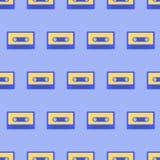 Nahtloses Muster mit Retro- Audiokassetten Lizenzfreies Stockbild