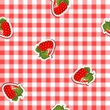 Nahtloses Muster mit rotem Segeltuch und Erdbeeren Lizenzfreie Stockfotografie