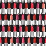 Nahtloses Muster mit Schönheitslippenstiften Lizenzfreie Stockfotografie