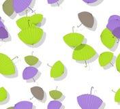 Nahtloses Muster mit Stapel zerstreuten farbigen Sonnenschirmen Stockfotos