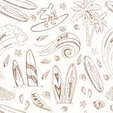 Nahtloses Muster mit surfenden Sportikonen der Gekritzelskizze Lizenzfreies Stockbild