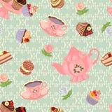 Nahtloses Muster mit Teekanne, Schalen, Kuchen und Rosen Lizenzfreies Stockbild