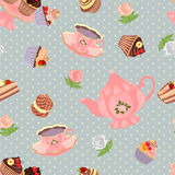 Nahtloses Muster mit Teekanne, Schalen, Kuchen und Rosen Stockfotografie