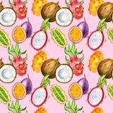 Nahtloses Muster mit tropischen exotischen Früchten Drachefrucht, Maracuja-, kiwano- und Kokosnussscheibe Lizenzfreies Stockfoto