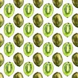 Nahtloses Muster mit tropischen exotischen Früchten Kiwischeibe auf weißem Hintergrund Stockfotos
