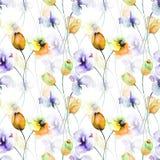 Nahtloses Muster mit Tulpen, Mohnblume und Edelwicke blüht Stockfoto