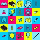 Nahtloses Muster mit verschiedene Hand gezeichneten Schulikonen Lizenzfreie Stockfotos
