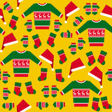 Nahtloses Muster mit Weihnachtskleidung Lizenzfreie Stockfotografie