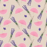Nahtloses Muster mit Weinlesefan und Lavendel - Vektorillustration, ENV lizenzfreie abbildung