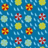 Nahtloses Muster - Regenschirme und Tropfen eines Regens Stockfotografie