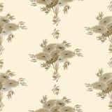 Nahtloses Muster von beige Blumen und von Blättern auf einem beige Hintergrund watercolor Lizenzfreie Stockfotografie