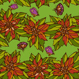 Nahtloses Muster von Blumenblättern und -schmetterlingen Stockfotografie