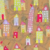 Nahtloses Muster von Hand gezeichneten Häusern in der Herbststadt Stockbilder