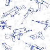 Nahtloses Muster von Hand gezeichneten Waffen Lizenzfreie Stockfotos