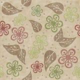 Nahtloses Muster von handgemachten gemalten Blättern und von Blumen Lizenzfreie Stockfotografie