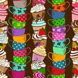Nahtloses Muster von kleinen Kuchen und von Teeschalen Stockfoto