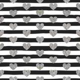Nahtloses Muster von silbernen Herzen Lizenzfreie Stockbilder