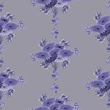 Nahtloses Muster von violetten Blumen und von Blättern auf einem tiefen grauen Hintergrund geometrisch watercolor Stockbilder