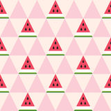 Nahtloses Muster von Wassermelonenscheiben im geometrischen Stil Lizenzfreies Stockbild