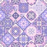 Nahtloses Patchworkmuster der Weinlese Keramikfliesen mit dekorativer Verzierung Lizenzfreie Stockbilder