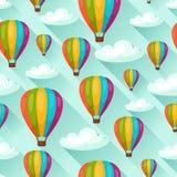 Nahtloses Reisemuster mit Heißluftballonen Hintergrund gemacht ohne Abschneidenmaske Bedienungsfreundlich für Hintergrund, Gewebe Stockbild