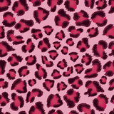 Nahtloses rosafarbenes Leopardbeschaffenheitsmuster. Lizenzfreie Stockfotos