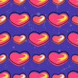 Nahtloses Sommermuster mit hellem Herzelement auf brith Hintergrund für Jugendlichvalentinsgrußtag Stockfoto