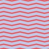 Nahtloses Sparrenmuster Bunter roter Zickzack auf purpurrotem Hintergrund Lizenzfreies Stockbild
