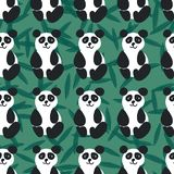 Nahtloses Vektormuster mit freundlichen Pandas auf grünem Hintergrund stock abbildung