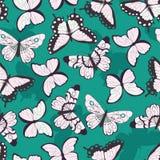 Nahtloses Vektormuster mit Hand gezeichneten bunten Schmetterlingen, grüner Hintergrund lizenzfreie abbildung