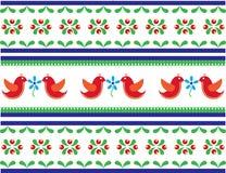 Nahtloses Volkskunstmuster mit Vögeln und Blumen Lizenzfreies Stockfoto